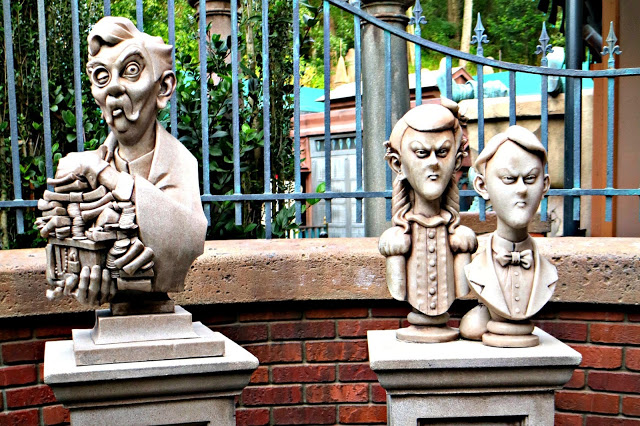 Statues outside the Haunted Mansion in Walt Disney World
