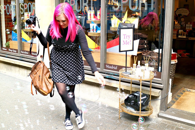 Milly playing with bubbles on the Central London Photo Walk