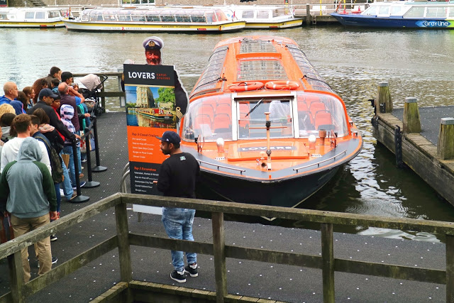 Amsterdam Canal Cruising with AttractionTix