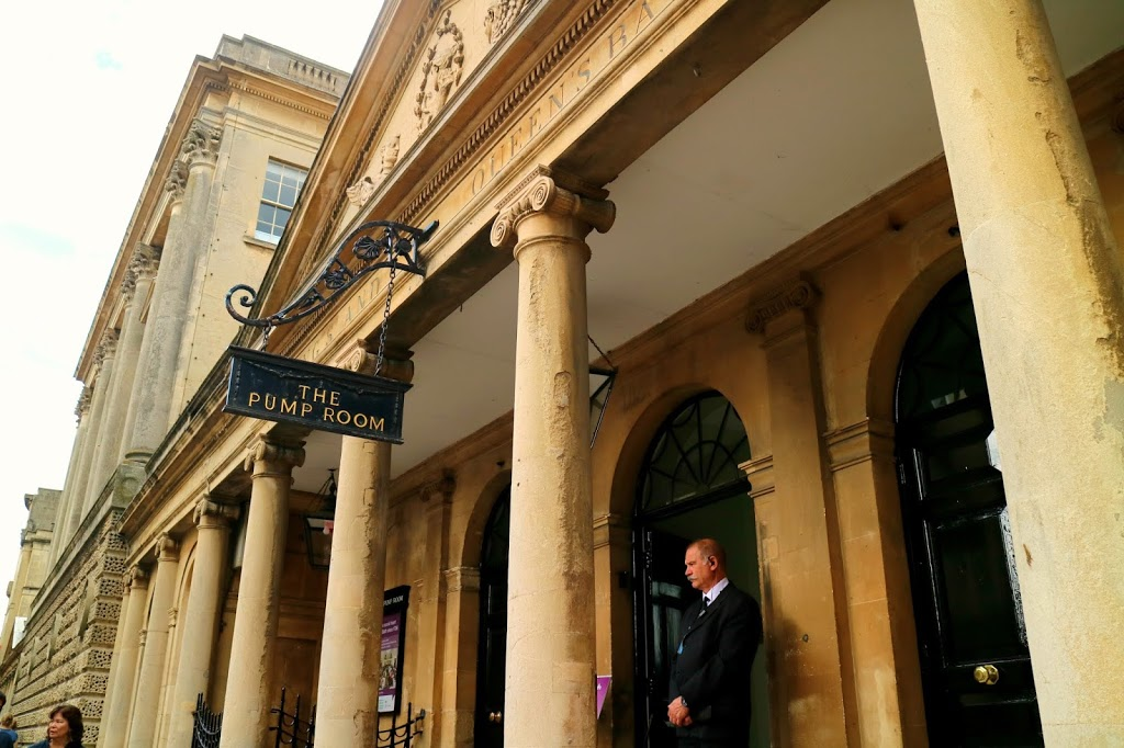 the pump room, a must visit when spending a few ours in Bath