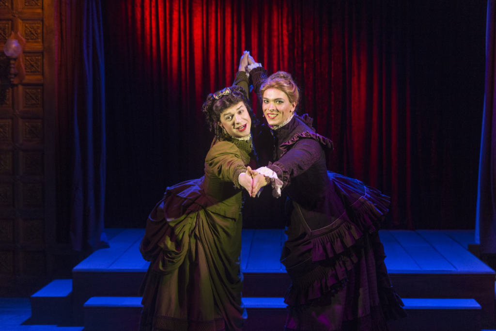 Performers as Fanny & Stella on stage
