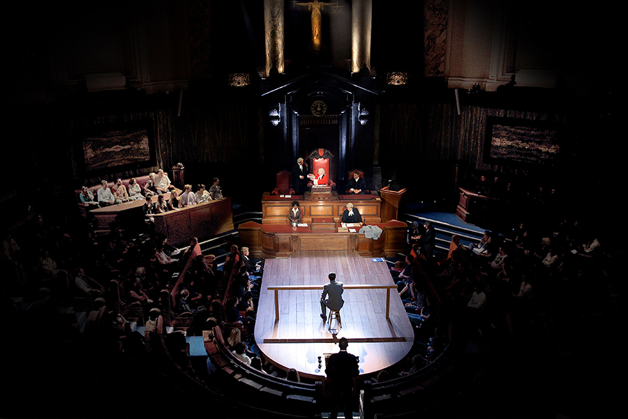 Witness for the Prosecution set and audience layout