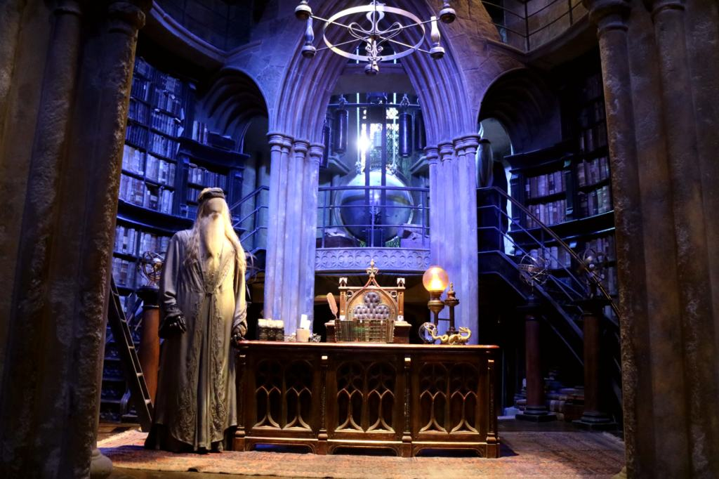 Dumbledore's office set
